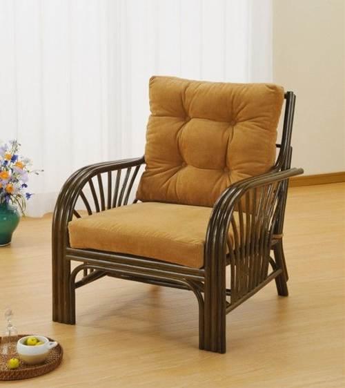 包み込まれるような弾力のある座り心地。 アームチェアー イス・チェア 座椅子 籐製 送料無料