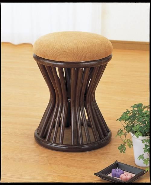 ラタンの軽やかさに上質感をプラス。 スツール イス・チェア 座椅子 籐製