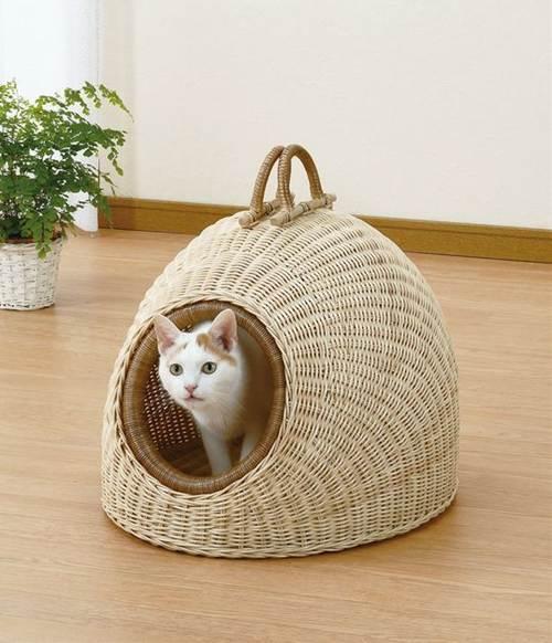 天然素材藤で作られペットにやさしいドーム型のぺットハウスです。 ぺットハウス 籐製 ラタン