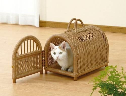 ペット移動用バスケットとして、又ペットハウスとしてとてもおしゃれで便利です。 ぺットハウス 籐製 ラタン
