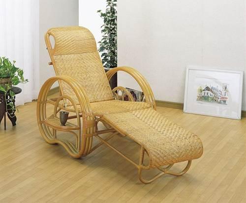 高級仕上げの総あじろ編みで、足を伸ばしてくつろげるラクチン座椅子。 三ツ折寝椅子 イス・チェア 籐製 送料無料