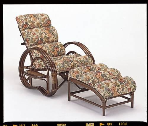 もこもこの座面で体をフワッと支え脚を伸ばしてゆったりくつろげます。 籐もこもこリラックスチェアー&オットマン2点セット イス・チェア 座椅子 籐製 送料無料