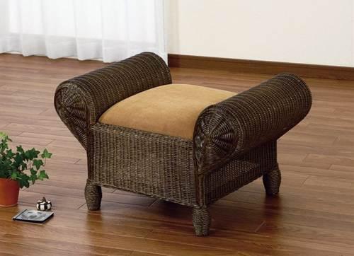 素朴な表情とシックな色合いからは高級感が漂います。 スツール イス・チェア 座椅子 籐製 送料無料