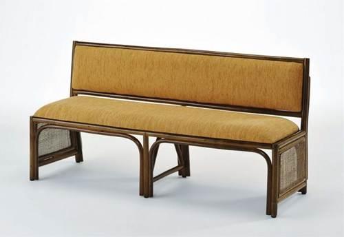 クッション付背もたれで快適な座り心地。壁につけてご使用いただける省スペース設計です。 籐背もたれ付ベンチ イス・チェア 座椅子 籐製 送料無料