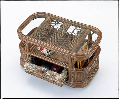 中央部両面式引き出しと両サイドマガジンラックで小物整理もおまかせ。 テーブル 大 籐製 ラタン 送料無料