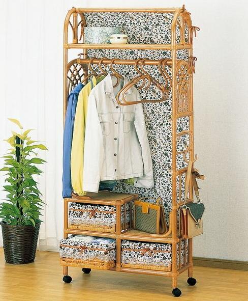 サッと洋服が掛けられるおしゃれな藤のハンガーラック 上棚付ワイドハンガーラック 幅75cmタイプ イス・チェア 座椅子 籐製 送料無料