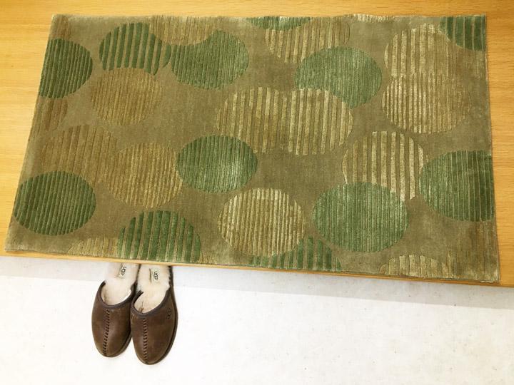 【中国段通 ウール&シルク 玄関マット】「円まどか」絨毯(じゅうたん)・カーペット・ラグ・毛(ウール)&絹(シルク)・約69×122cm・120段・グリーン