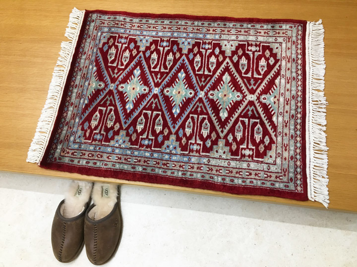 【送料無料】パキスタン 手織り 玄関マット 絨毯(じゅうたん)・カーペット・ラグ・毛(ウール)100%・約60×90cm・レッド・ワインカラー