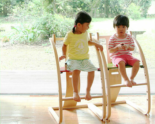 Sdi Fantasia Bambini (バンビーニチェア) 赤ちゃん 子ども 大人 ベビー 日本製 国産 足置き フットレスト 木馬 高さ調節 シンプル ナチュラル 北欧 軽量 板座 長く使える 食事 ダイニングテーブル リビング学習 キッズチェア