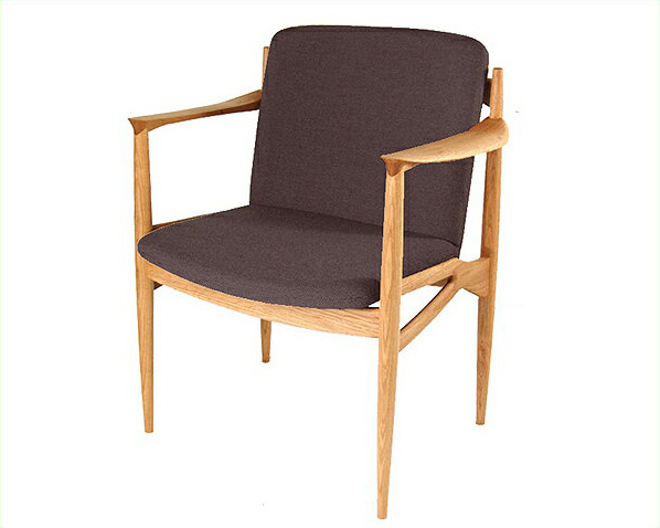 木製ダイニングチェア(肘付き椅子)※キャンセル不可 チェアー いす イス 椅子 アームチェア 布座 ファブリック 日本製 国産 無垢材 無垢板 ナラ 布張り オイル仕上げ シンプル ナチュラル モダン シック 背もたれ付き 食卓チェア 北欧風