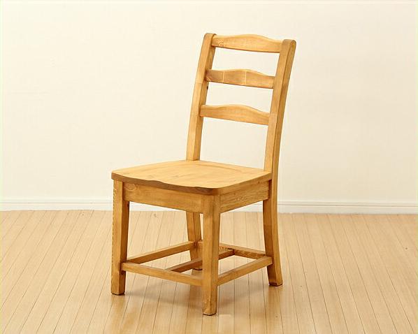 木製ダイニングチェアー パイン材 カントリー 可愛い お洒落 チェア いす イス 椅子 食卓 居間 リビング 無垢 ナチュラル シンプル 天然木 オイル塗装 おしゃれ 軽量 かわいい カフェ 安心 自然塗料 安定感 木目 アームレス 肘なし
