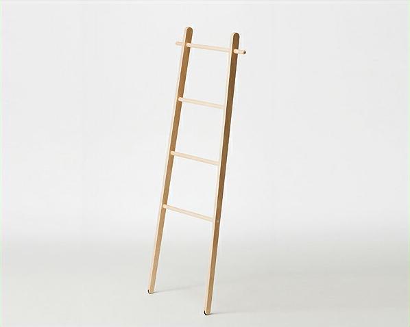 はしごのようなデザインが可愛いラダーラック※代引き不可 ハンガーラック 洋服掛け ポールハンガー ナチュラル 北欧風 日本製 国産 シェルフ メープル材 メイプル材 衣装ラック コンパクト 木製 おしゃれ 省スペース インテリ