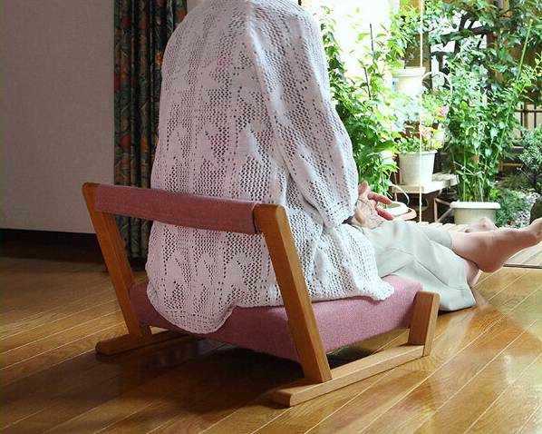 いろんな場所で活躍する座椅子ZAGAKU(ザガク) 04※代引き不可 ※キャンセル不可 座いす 座イス ざいす デザイン おしゃれ リビング 木製 和モダン 和室 シンプル コンパクト 子供 お年寄り かわいい キッズ こたつ