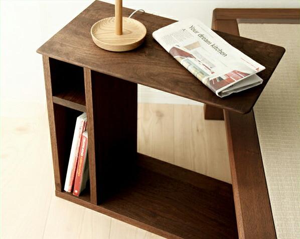 大人の風格漂うウォールナット材のサイドテーブル※キャンセル不可