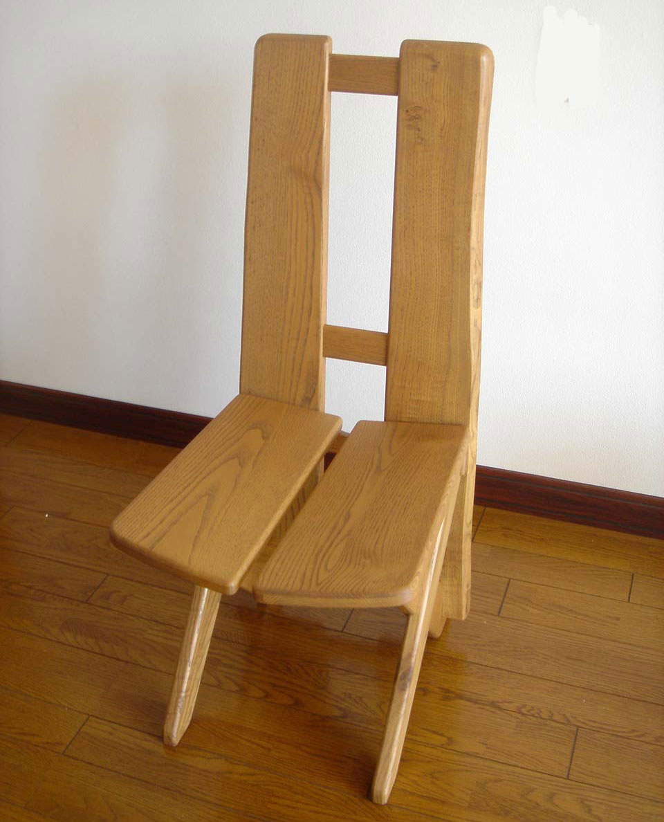 栗無垢材のミミ付椅子