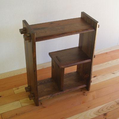 【家具製造販売】古材でつくった地松飾り棚