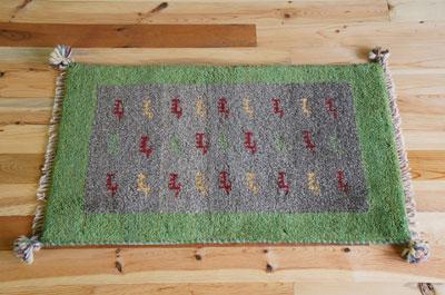 送料無料!カシュガイ族の本格手織りギャッベ(玄関マット/94×56サイズ)ギャッベ ギャベ 手織 ラグ イラン