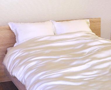 希少な純国産サテンシルクで、肌に優しく極上の眠り 川俣サテンシルク敷き布団カバー ベビー85×130cm 純国産の絹100% 【日本製】