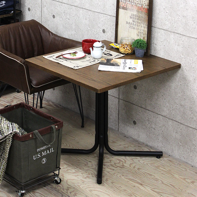 【メーカー直送品】カフェテーブル ダリオ 75×75cm【テーブル 机 リビングテーブル コーヒーテーブル ソファテーブル ウッドテーブル 北欧 カフェ オーク オーク材 ブラウン 茶 鉄足 ナチュラル 一本足 正方形 男前 おしゃれ家具 コンパクト テレワーク 在宅ワーク】