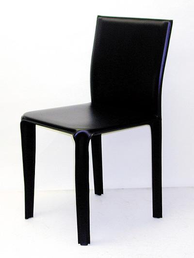 【送料無料】イタリア 黒革のローバックの椅子