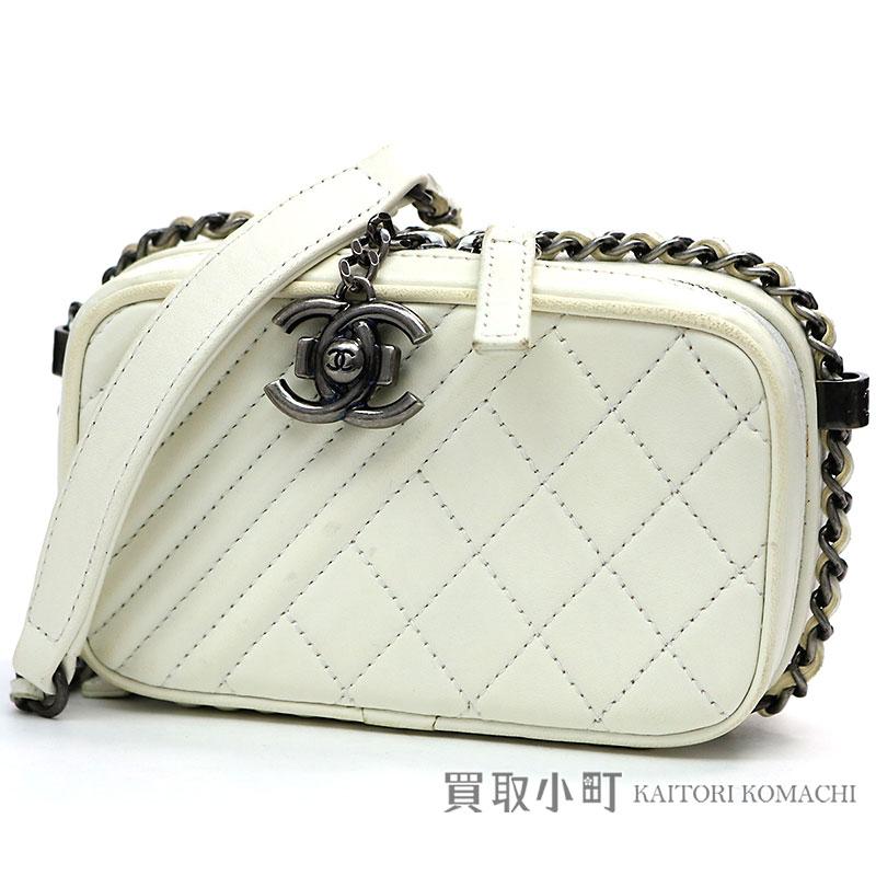 f7ec3a981f4d KAITORIKOMACHI: Take Chanel boy Chanel chain wallet violet white lambskin here  mark matelasse cross-stitching quilting chain shoulder bag pochette wallet  ...