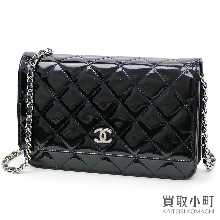 d5aeb4349e83 Take Chanel classical music chain wallet black patent leather silver metal  fittings chain shoulder bag pochette ...