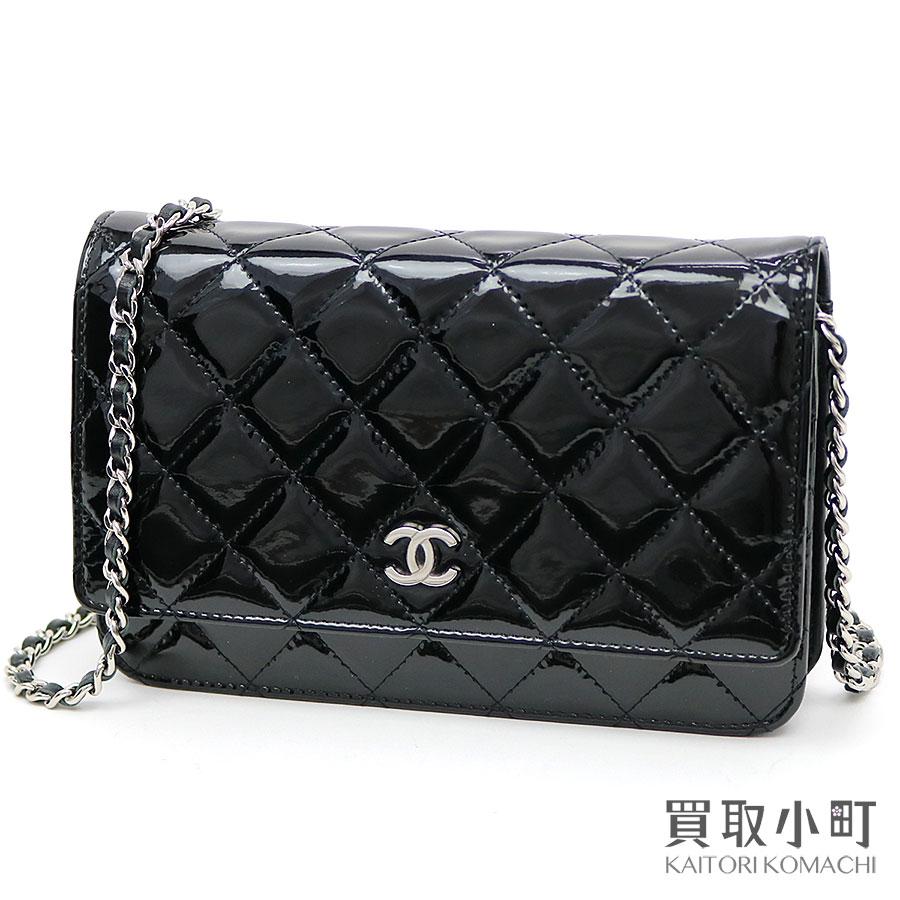 d4ecd3ec97dc Take Chanel classical music chain wallet black patent leather silver metal  fittings chain shoulder bag pochette ...