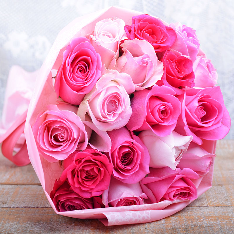 送料無料 お誕生日やお祝いにおすすめ フラワーギフト 直送 ピンク色 ピンク色のバラの花束 生花 ピンク バラ ギフト プレゼント ホワイトデー 入学 タイムセール 卒業 彼女 送料無料限定セール中 プロポーズ 発表会 結婚式 御祝 お見舞い 誕生日 サプライズ 記念日 母