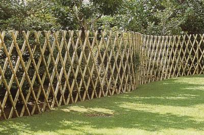 ロング竹垣君 長い竹垣の施工が簡単にできます。