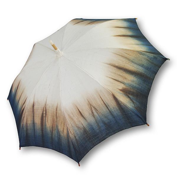 麻の日傘:生成に藍渋染め裾ぼかし