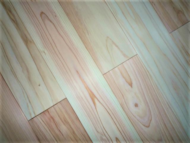 値下げ フローリング加工の万能羽目板でDIYに最適 12mm厚 杉羽目板 個人様宛宅配 以外は送料無料 壁 床兼用 無節 サンダー仕上 約6平米 1910×93×12 交換無料 34枚 上小 本実エンドマッチ加工