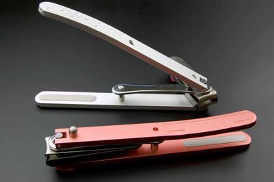 ギフト コフのツメキリ 爪切り 首振りヘッド つめきり 日本製 足 良く切れる 使いやすい 刃の向きが変えられる 長い持ち手