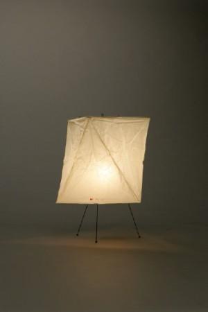 【新入荷】【正規販売店】【送料無料】AKARI スタンド YA2 直径38cm 高さ52cm 電球付 コード付 和紙 鉄 照明 提灯 日本製 北欧 ハンドクラフト デザイン デザイナーズ家具 イサムノグチ 暖かい光 優しい影