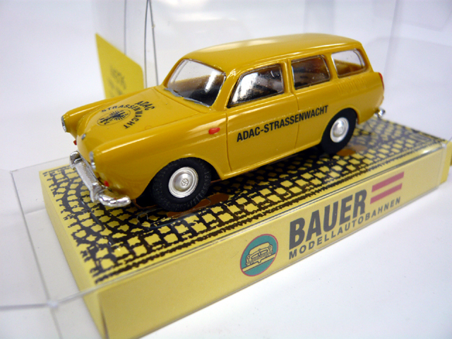Bauer # 4376 - VW 1500 Type 3 ADAC - Yellow HOスロットカー