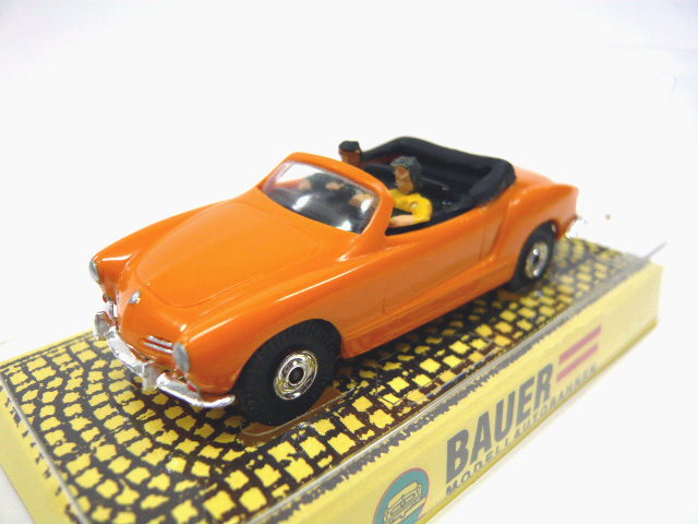 Bauer # 4333 VW Karmann Ghia Cabrio - Orange HOスロットカー