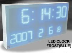 暗闇でもはっきり時間が確認できるフロストLEDクロック霜で覆ったようなフワッとした表示 穏やかに時刻を刻みます。壁掛け時計ホワイトフレーム×ホワイトLED ×ブルーLED CLOCK日付け表示付き 時間・年・月・日・室内温度