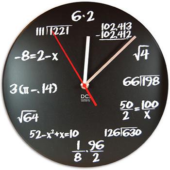 数学者を目指す君に色んな数式が描かれた壁掛け時計ブラックボードラウンドウォールクロック赤色の秒針 計算や算数がいつも身近にブラック×ホワイトQuiz Radial ROUND WALL CLOCKプレゼントやギフトに 黒板&チョークモチーフ Mathematical formula