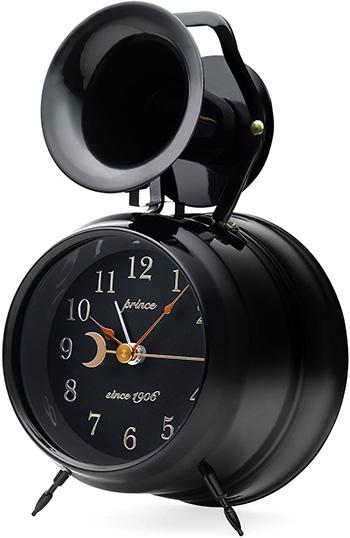 時計の上の大きなホーンが印象的な目覚まし時計ホーンアラームクロック ブラック ホワイト品や伝統的デザインを保ちつつ新しい時代のデザインを融合させるコンセプトブランドHORN ARARM CLOCK