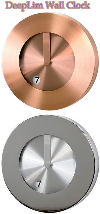 オシャレなお部屋には存在感のある掛け時計を短針の代わりに文字盤の穴から覗かせる数字で時間を確認ブラウンブロンズ グレーシルバーデザインクロック ラウンドウォールクロックアーバンテイスト掛時計