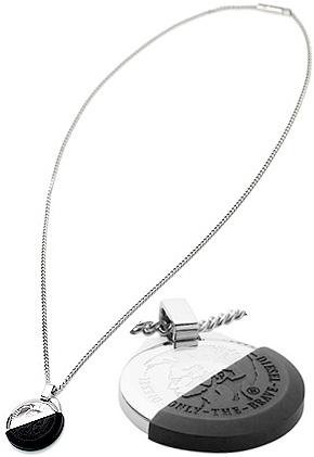DIESEL ペンダントネックレスディーゼル  刻印ブレイブマン シルバープレート ブラックハーフシリコンケースアクセサリー メンズ レディースPENDANT NECKLACEユニセックスライン 男女兼用