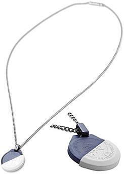 DIESEL ペンダントネックレスディーゼル  刻印ブレイブマン シルバー メタルブループレート ホワイトハーフシリコンケースアクセサリー メンズ レディースPENDANT NECKLACEユニセックスライン 男女兼用