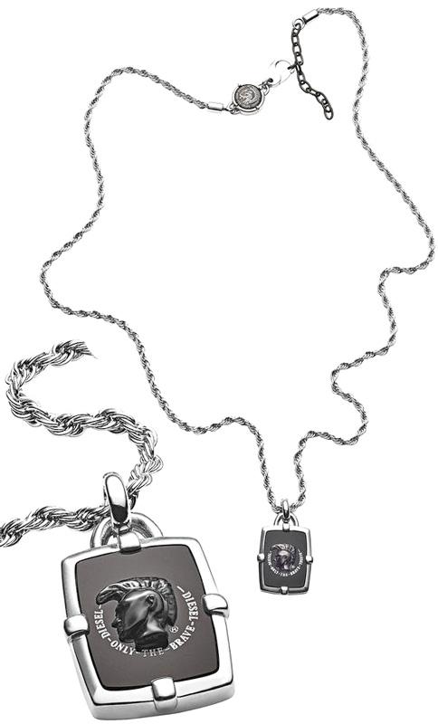 DIESEL ペンダントネックレスディーゼル モヒカンマン ブラックアゲートシルバー×ブラックブレイブマンカデナモチーフチャームシールド アクセサリー メンズ レディースSTAINLESS STEEL PENDANT NECKLACE