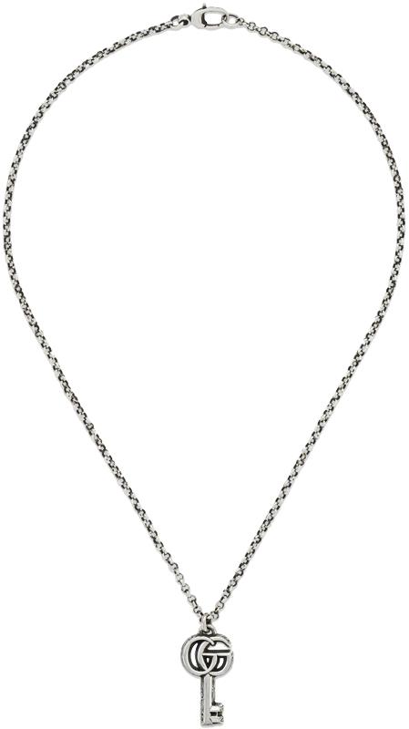 GUCCI グッチダブルG鍵チャームトップスターリングシルバー ネックレスエイジング フィニッシュアラベスクエングレービングペンダント 0701SLKEYCHARM PENDANTNecklace in sterling silver