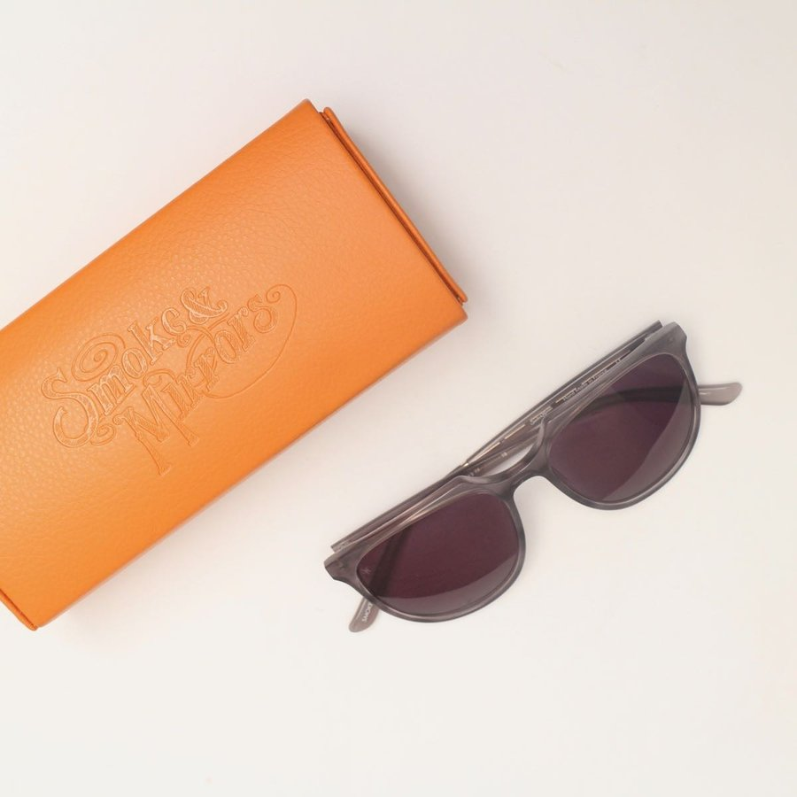 SMOKE&MIRRORS 日本未入荷 サングラス スモークアンド ミラーズ 眼鏡 メガネ SMOKE&MIRRORS ニューヨーク発のアイウエアブランドカラフルでプレイフルなスタイルと洗練されたデザインが人気