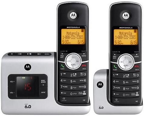 Motorolaモトローラーデジタルコードレスフォン盗聴がされ難く、クリアな音声通話が可能なDECT6.0採用デジタル留守電話機能付き電話機親機もコードレス(シルバー) 子機(ブラック)子機増設可能Cordless Telephone