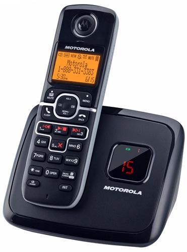 Motorola モトローラデジタルコードレスフォン盗聴がされ難くクリアな音声通話が可能なDECT6.0採用 ハンズフリーで通話が可能デジタル留守番電話機能付き電話機 ブラック プリズムフォルムデザインワイヤレスフォンTriangular prism Cordless Telephone