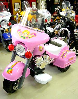 MOTOR AMERICAN POLICE BIKE 子供用電動乗用バイク 白バイアメリカン ハーレタイプ ヘッドライトやバックライトも点灯! ピンク レッド シルバー ホワイト ブラック 簡単操縦&楽々充電 プレゼントやインテリアしても大人気!