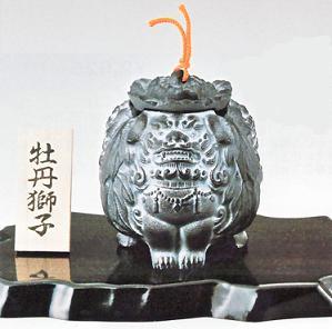 和を贅沢に楽しむ 和室 [並行輸入品] 新着 床の間に和のインテリア 50-06 牡丹獅子 香炉