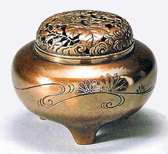 52-08 香炉 平丸型(菊水銀象嵌入)