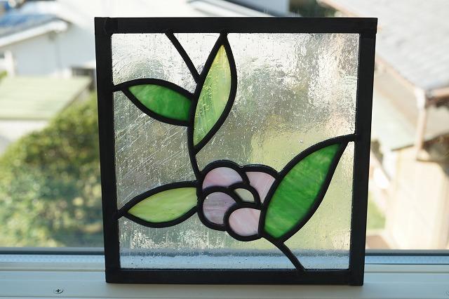 ステンドグラス 葉っぱ2 グリーン×きみどり 左+ピンクの花 18cm×18cm